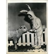1941 Press Photo Baby Sandy Dressed as Bunny Feeding Lamb on Sandy Steps Out