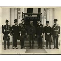 1926 Press Photo New Chilean Ambassador & His Credentials at White House
