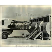 1962 Press Photo Dulles International Airport Mobile Lounge - nee44760