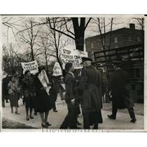 1932 Press Photo Communists march at Japanese Embassy in Wash DC - nex80917