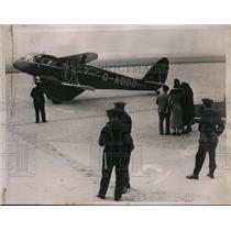 1935 Press Photo Prince of Wales private plane at Bourget