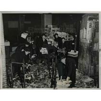 1936 Press Photo Pittsburgh Press Employees Clean Up After Flood Ruins Paper