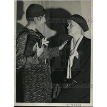 1932 Press Photo Marquerite Wells(L) & Mrs Morrison both former VP women voters