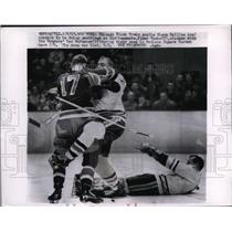 1963 Press Photo Black Hawks goalie Glenn Hall, Elmer Vasko Ranger Don McKenny