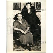 1933 Press Photo Mrs Marie Whitney & Daughter Mrs Louisa Hattie Edith Whitney