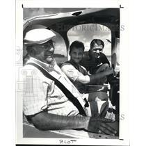 1987 Press Photo Thomas Tector Sr & Thomas III & Thomas Tector Jr