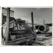 1977 Press Photo Truck panels from the Parma Chevrolet plant are loaded to liner