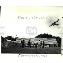 1987 Press Photo Taylor Craft Airplanes Fly in at Alliance, Ohio