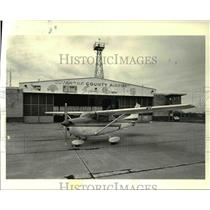 1986 Press Photo Pilot Jeff Yanut at Baron Aviation - Cty Airport