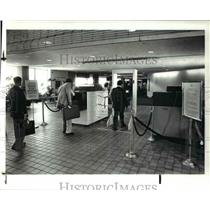 1986 Press Photo Cleveland Hopkins Airport enhanced security procedures