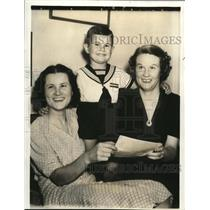 1938 Press Photo Happy news for the wives