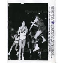 1958 Press Photo Detroit Pistons Jack Noble loses control of ball - nes29774