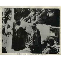 1935 Press Photo Surrender of Ras Guesa to General Emile De Bono - nee57987