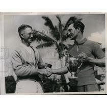 1936 Press Photo Paul Waner of Pirates & JT Rogerson left handed golf in Miami