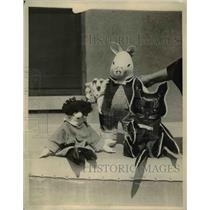 1922 Press Photo Novel toy dolls made by Gene Gray on display in NY