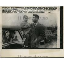 1957 Press Photo Cpt Thomas R. Gleason being expelled from Budapest - nee59095