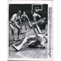 1958 Press Photo Knicks Ken Sears vs Jack Twyman of Cinncinati,Carl Braun,G King