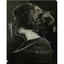 1921 Press Photo A model displays a hair coiffure with a bun