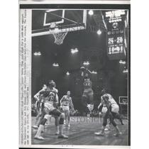 1962 Press Photo Cinncinati St Louis' Bob Sims vs Royals Bob Boozer - nes33062