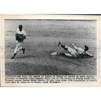 1939 Press Photo Giants Sid Gordon out at 2nd vs Dodger Eddie Miskis - nes35758