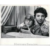 1977 Press Photo Eric Stevens & son Shawn operations manager WWWM-FM - cva42397