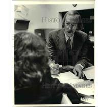 1981 Press Photo Tom Weeks Of The Legal Aid Society - cva46652