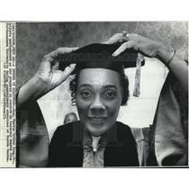 1971 Wire Photo Northwestern Univ bestow honorary degree Mrs Martin Luther King