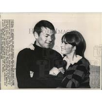 1966 Wire Photo Actor Gary Lockwood and actress Stephnie Powers - cvw04605