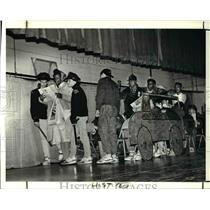 1990 Press Photo Harry E Davis School celebrates Black History - cva46990