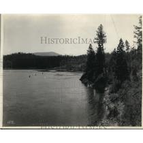 1922 Press Photo Shoreline of Lake