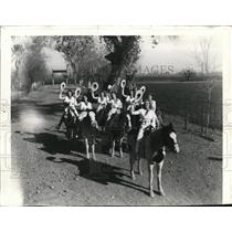 1940 Press Photo Dude Ranch Cowgirls