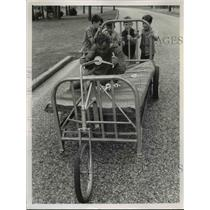 1969 Press Photo Bill Dana in a bed race in Alabama NBC TV A Look on Light Side