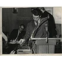 Press Photo Nicholas Daria asst to Sheriff Ralph Krieger & a tape recorder