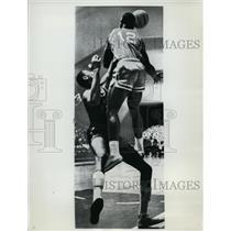 1962 Press Photo Bobby Sims & Wilt Chamberlain of the Philadelphia Warriors