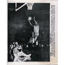 1956 Press Photo St Louis Hawks Slater Martin vs Warriors Andy Johnson