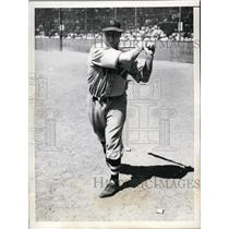 1935 Press Photo Harold B Lee Braves outfielder at St Petersburg Florida camp