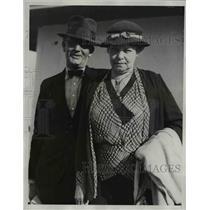 1933 Press Photo Mrs and Mrs Thomas F Plummer on SS Santa Anna in Los Angeles