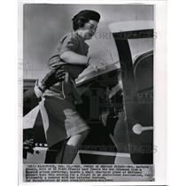 1962 Wire Photo Mrs. Barbara Powers, wife of U2 pilot Francis Gary Powers