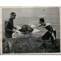 1941 Press Photo International Spitting Contest at Coos Bay Ore CP Mcnab