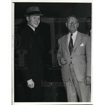 1940 Press Photo Herbert Hoehne, released from jail H.A. Gebhardt Attorney