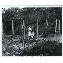 1974 Press Photo Dr. and Mrs. James Lowder at Gardenview Horticultural Park