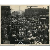 1925 Press Photo A Large Beautiful Display of Easter flowers at West Side Market