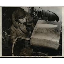 1938 Press Photo Imperial Airway's Technical Experts Conquer Ice Formation Engla