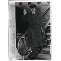 1952 Wire Photo Capt. John J. Swift forced down in Hungary arrives at Washingto