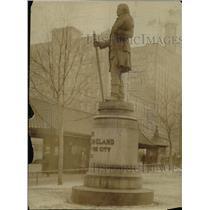1919 Press Photo The Moses Cleveland Statue on Public Square - cva89640