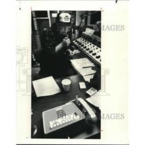 Press Photo The Radio Station - cva74701