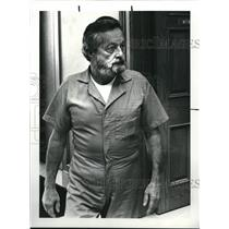 1987 Press Photo Charles Heck Wearing Medina County Jail Garment - cva94287