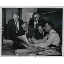 1963 Press Photo Architects on discussions - cva90206