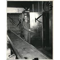 1931 Press Photo Chief Deputy Fred Alock at the Jail - cva85979