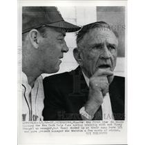 1966 Press Photo Mets manager Wes Westrum & ex manager Casey Stengel in Fla
